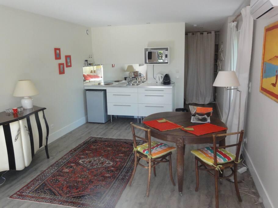Maison studio 35m2 dans un parc houses for rent in for Caluire piscine horaires