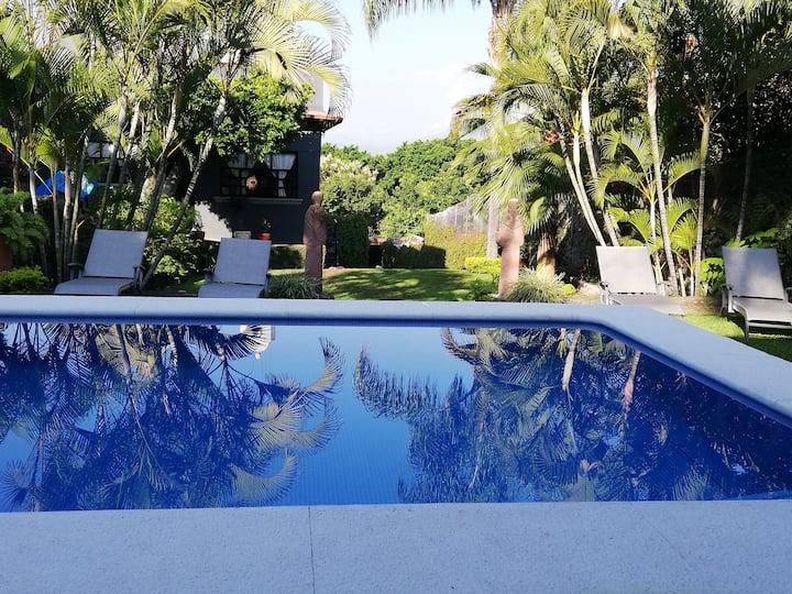 Exclusiva casa, amplia, cómoda y segura