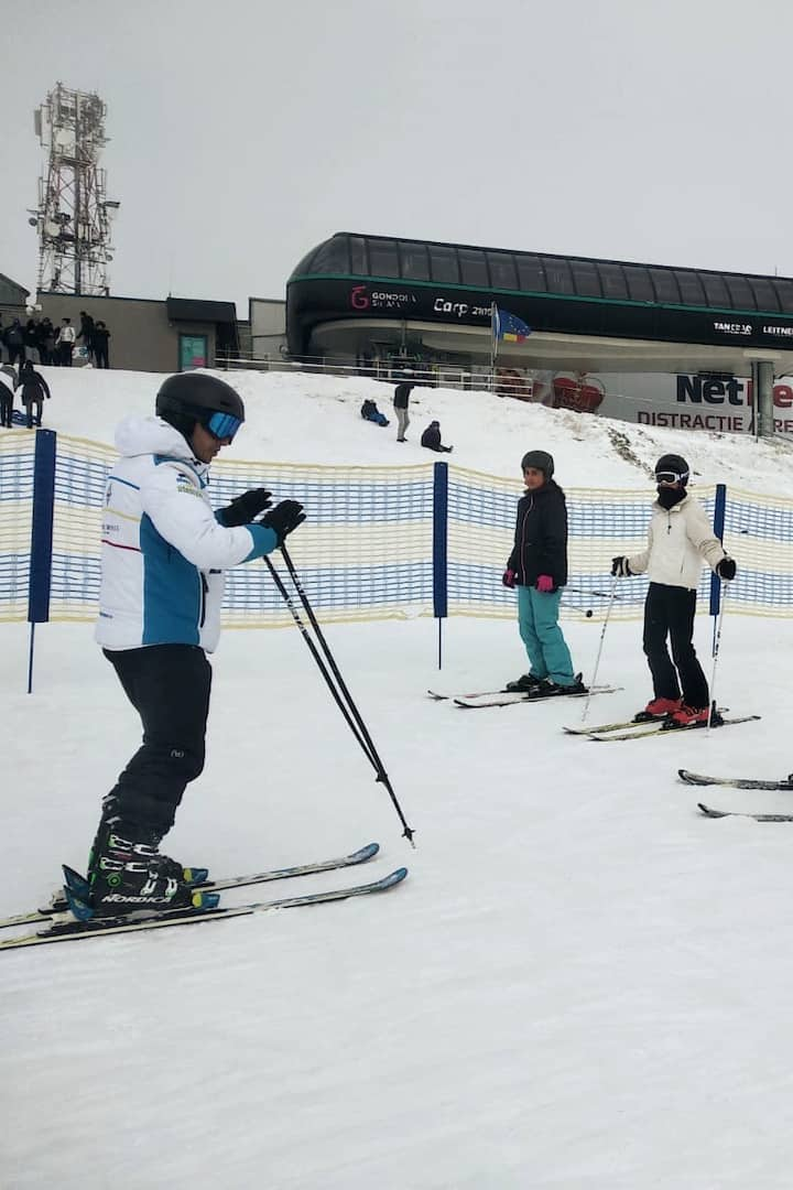 Group ski lessons experience.