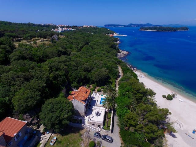 5 Bedroom Luxury Villa w/ Pool and at the Sea - Dubrovnik - Villa