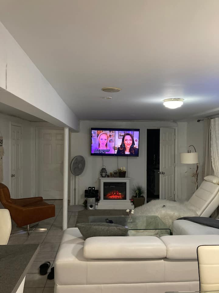 Private suite in Rosedale, 8 min from JFK & 2LIRR