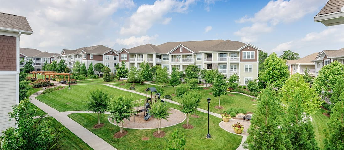 Venue at Cool Springs Apartment Complex
