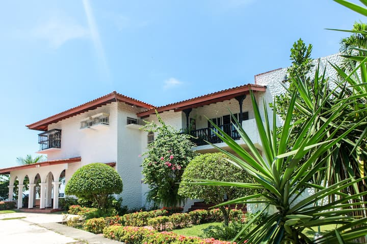 @Villa SharonBeach House in Playa Blanca, Farallon