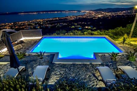 Hill View - Luxury traditional Dalmatian Villa - Kaštel Kambelovac