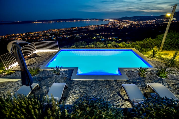 Hill View - Luxury traditional Dalmatian Villa