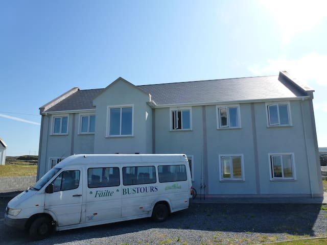 Aonghasa's Walkers Lodge. - Inishmore - Ev