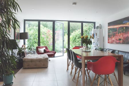 Light filled luxury - 3 bed Victorian House
