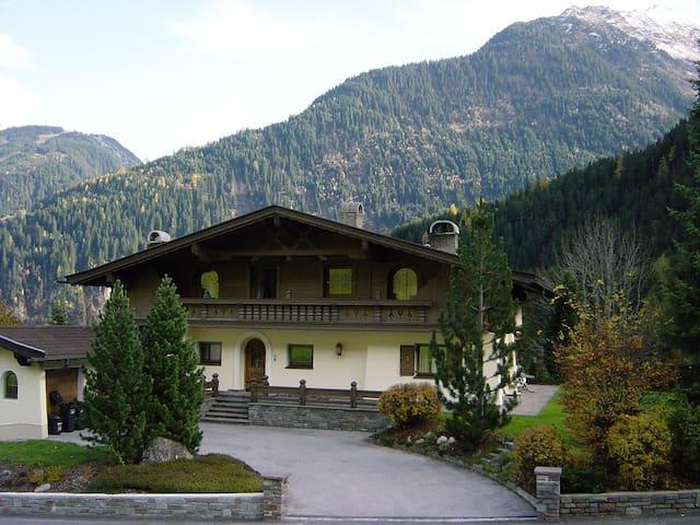Ferienhaus Kröll - Finkenberg - Casa