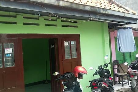 rumah eyang surabaya
