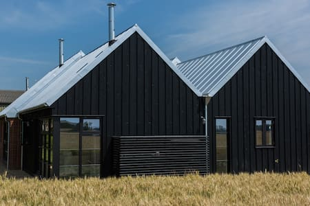 Fox Hatch spacious and stylish barn rural  Essex