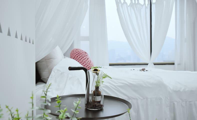 浪漫大床,落地窗,江景