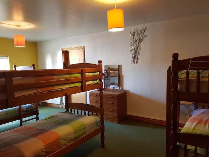 Globe Backpackers Exeter (Tourist Hostel) Room G1