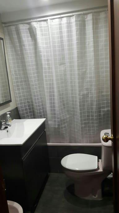 Cuarto de Baño / Bathroom