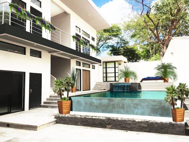 Casa de la Cancion~Immaculate Four Bedroom Villa!!