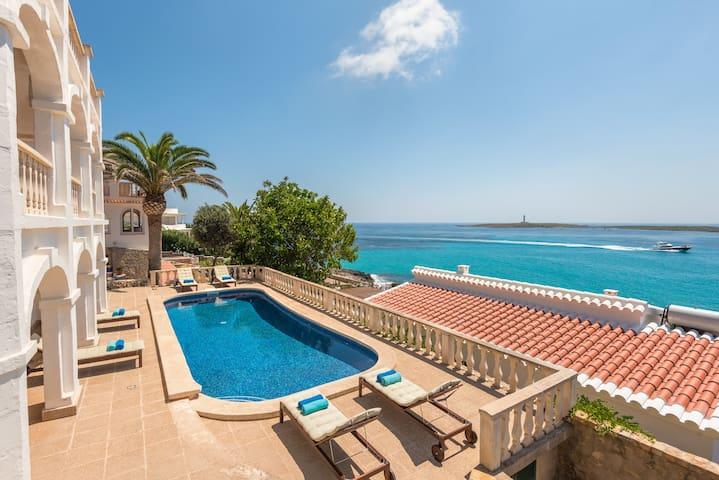 Villa Torre Vea-Stunnig seaviews-Private pool-Free AC and Wifi