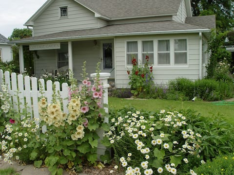 1906 Cottage Garden-WaKeeney I-70 exit 127/128