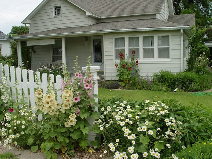 1906 Cottage Garden-WaKeeney I-70 exit 127/128