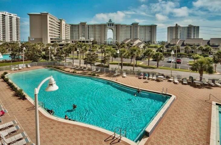 Miramar Beach FL condo - Short walk to Beach!