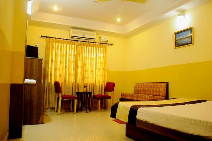 Mysore Bed and Breakfast with AC