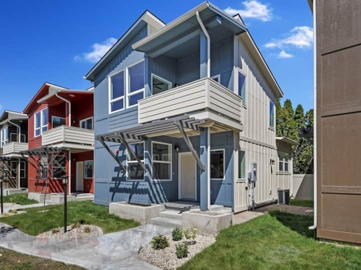 A Piece of Heaven in BRAND NEW 2 Bed/2 Bath Homes