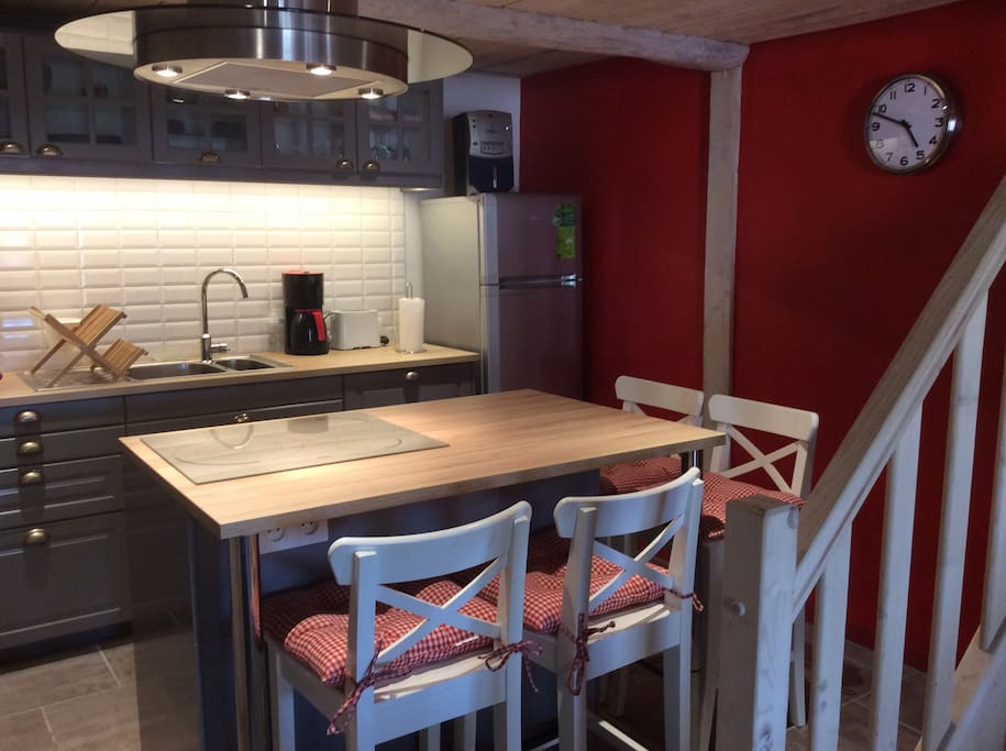 Cuisine Equipee d'une table induction