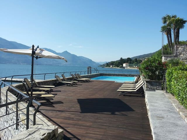 Lake Front Apartment with garden and swimming pool - Musso - Apartamento