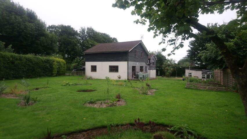Hollytree Farm