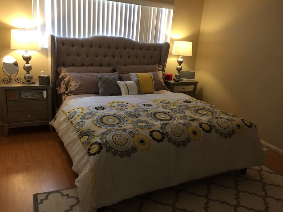 Spacious 2 Bedroom 2 Bathroom Modern Apartment Apartments For Rent In West Hollywood