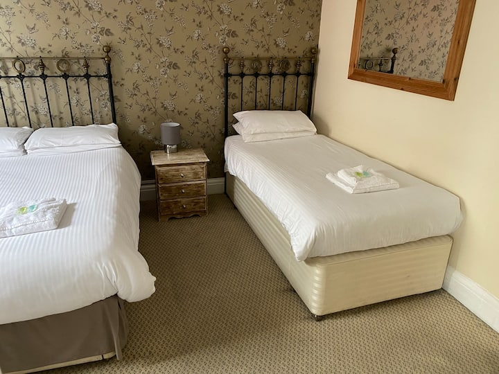 Quadruple Room | The Fountain Inn