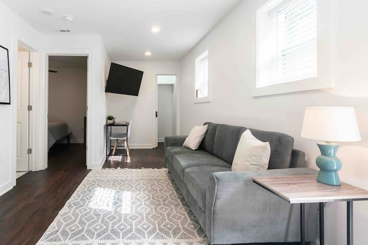 Stylish Space off Milledge close to UGA (1)