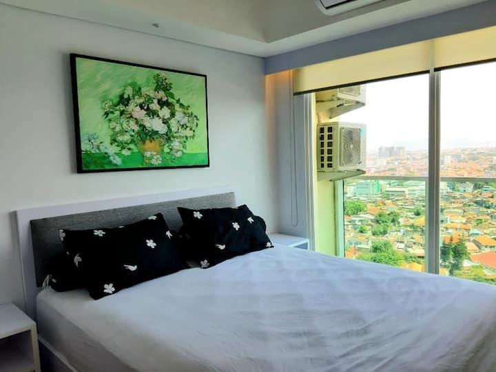 Comfy Studio at La Grande Apartment by Queen