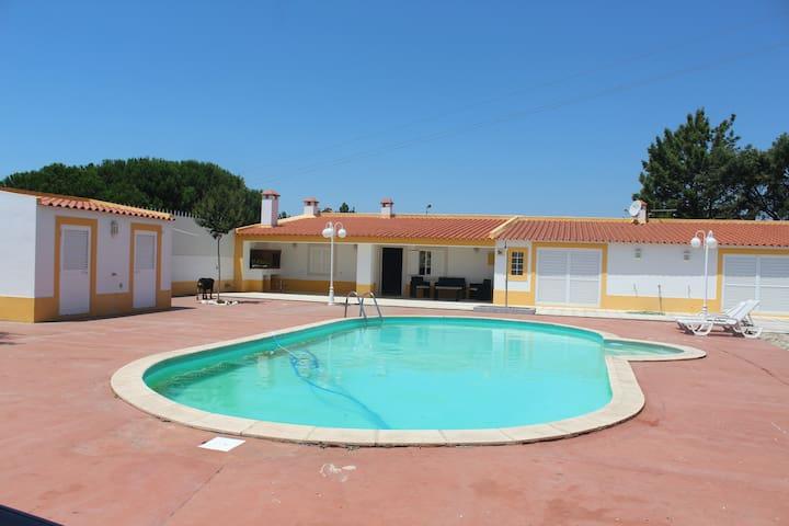 3 bedrom villa near lisbon (20 min)