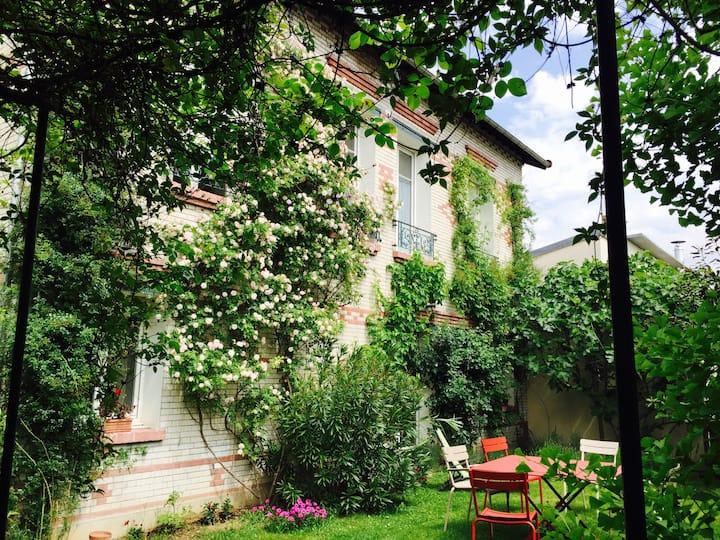 Chambre dans maison très proche de Paris