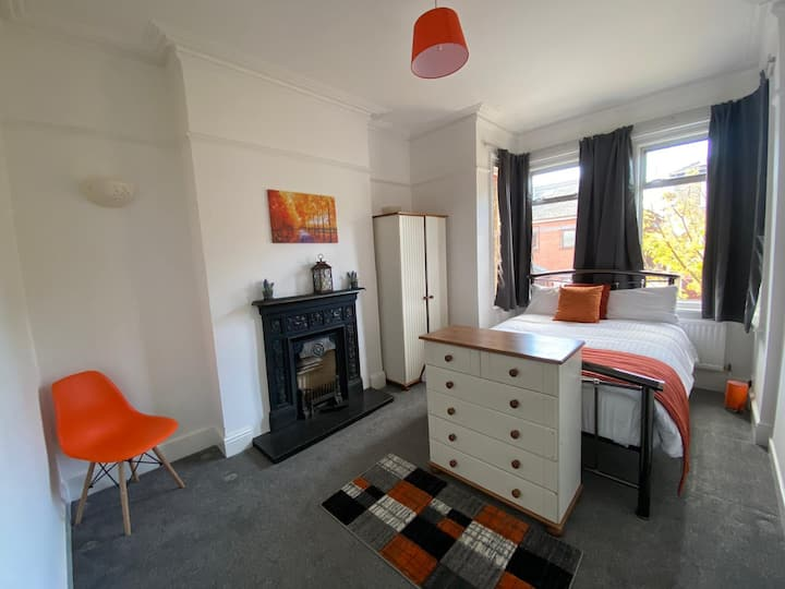 Townhouse - 4 beds - in Slough centre