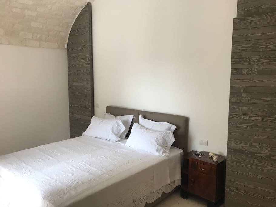 L'ulivo double bedroom with ensuite and walk-in wardrobe