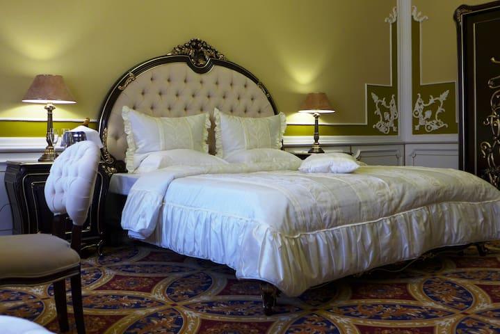 Роскошный супер люкс  в отеле на 12 номеров
