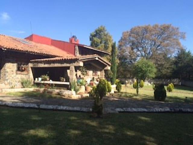 Casa de campo espectacular - Santiago Acuitzilapan - Kulübe