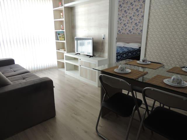 Apartamento 807, novo e confortável no Centro