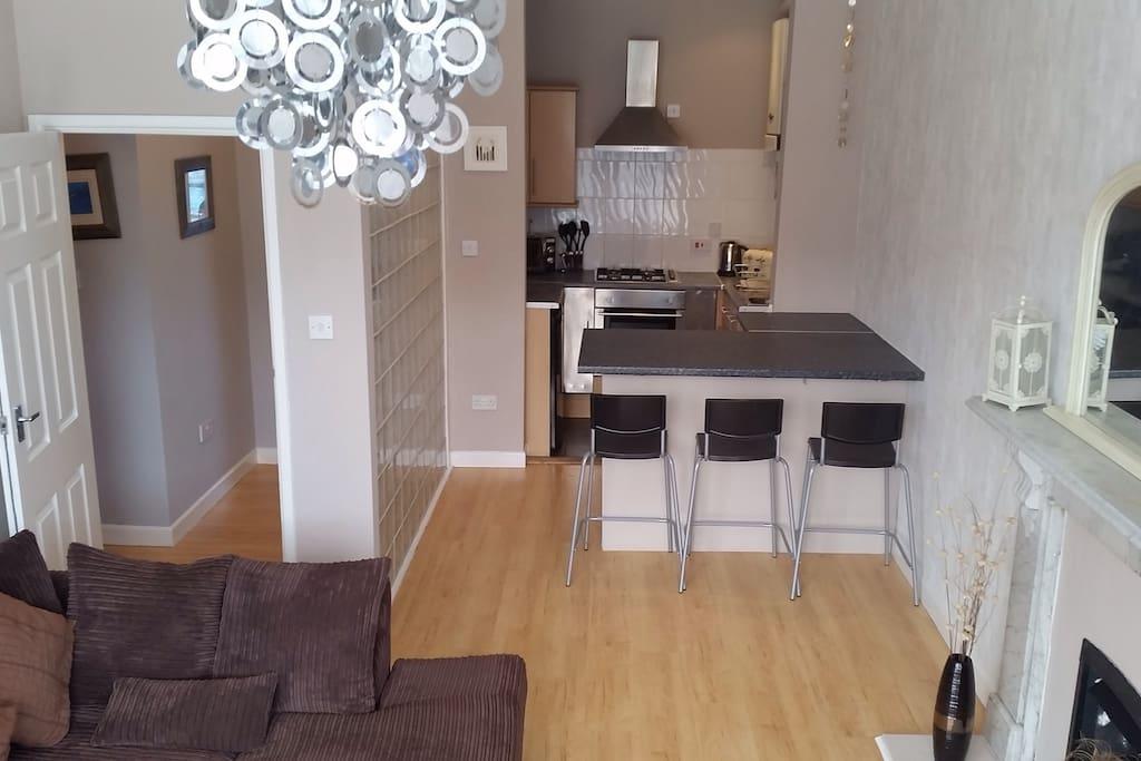 Kitchen/lounge open plan