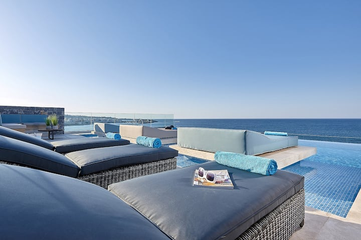 New Seafront Apartment / 2 bedrooms gardenview