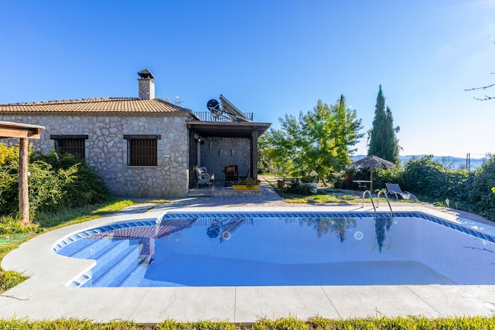 Holiday Home 'Cortijo Era de Realenguillo' with Mountain View, Pool, Wi-Fi & Garden; Parking Available
