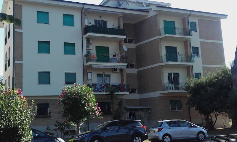 Apartment overlooking spacious grounds - Villaggio Senn - Apartamento