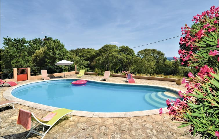 Holiday cottage with 4 bedrooms on 185m² in Montaren et St Mediers