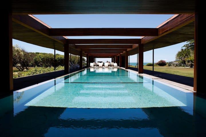 Buz001 - Luxury mansion in Búzios