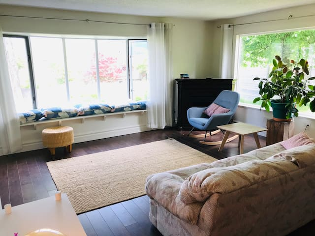 Family friendly Cowichan Bay suite
