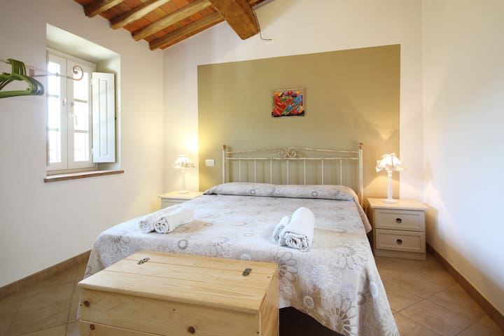 B&B  ALLORO( BLUEBERRY ROOM)
