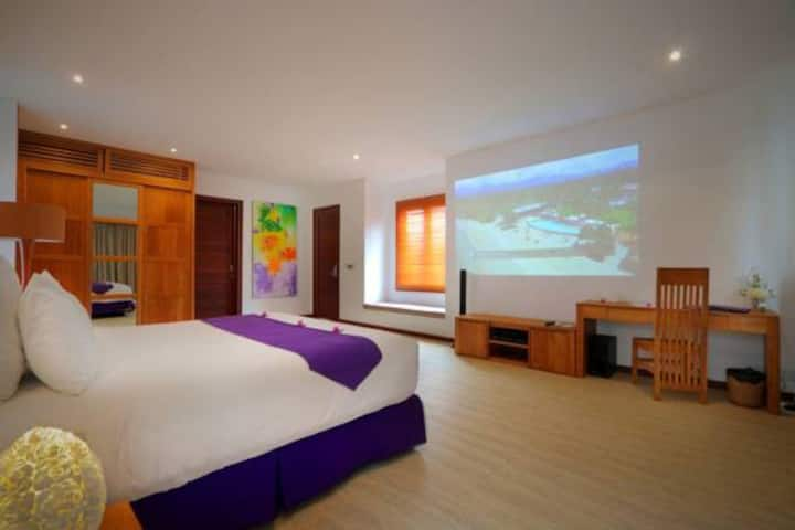 One BR Villa with Private Pool at Sira Beach
