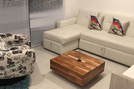 Suite  limpia  confortable  barata a 5 min ✈️