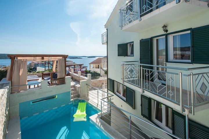 Villa Katy-  with the pool  ( 10-12 persons )