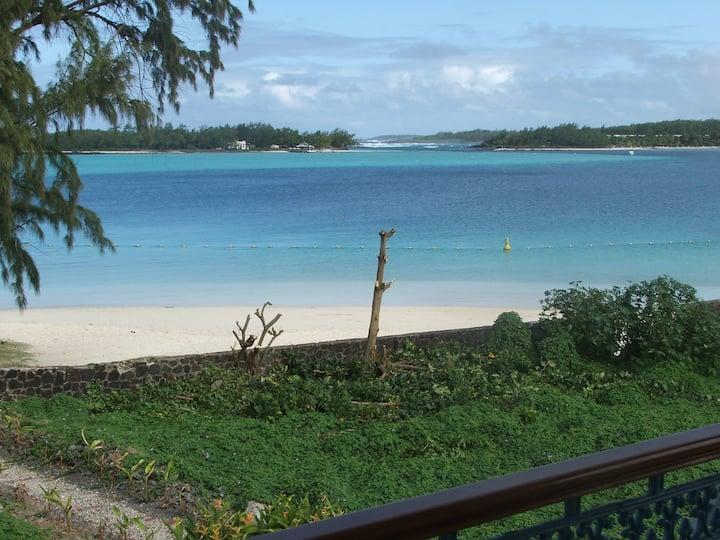 Villa Bella Blue Bay: Sea view bedroom: sleeps 2